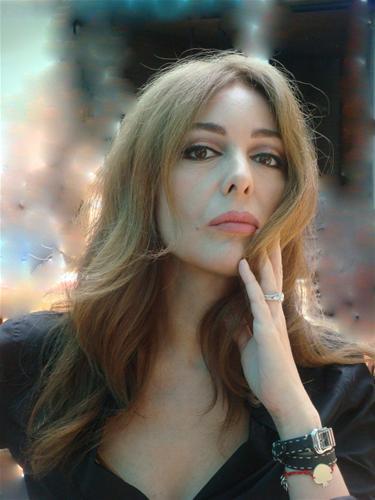 Зерин Текиндор – Мадмоазел Дениз от Забраненият плод